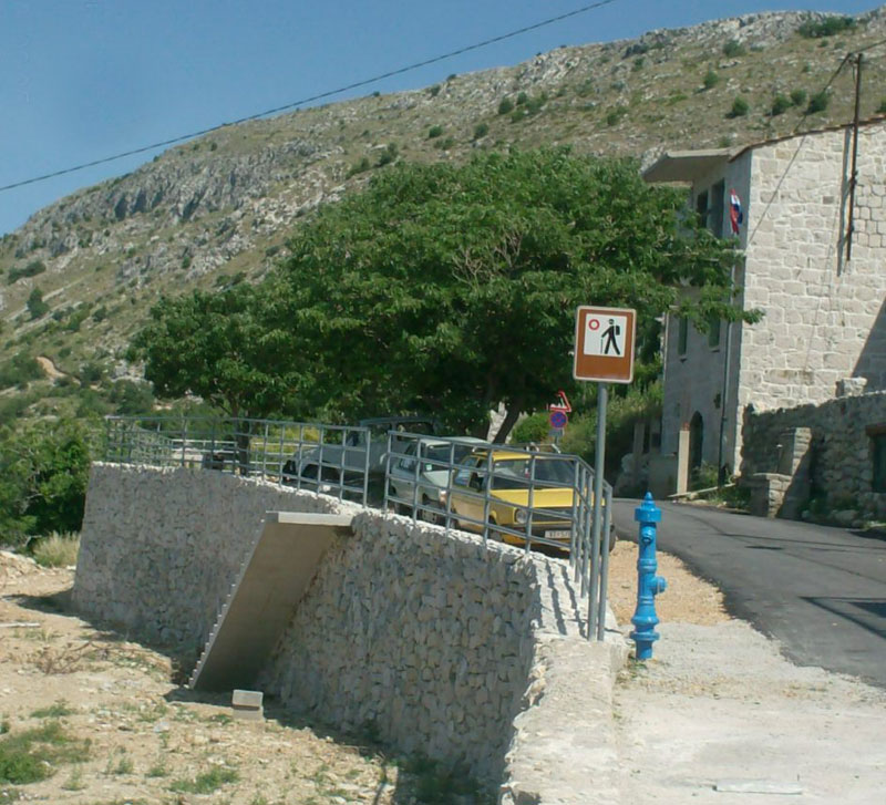 Zid u ulici Don Petra Cara