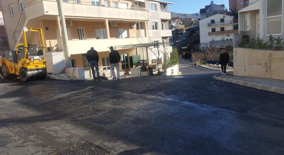 Asfaltiranje završnog sloja križanja Hercegovačke i Zvonimirove ulice