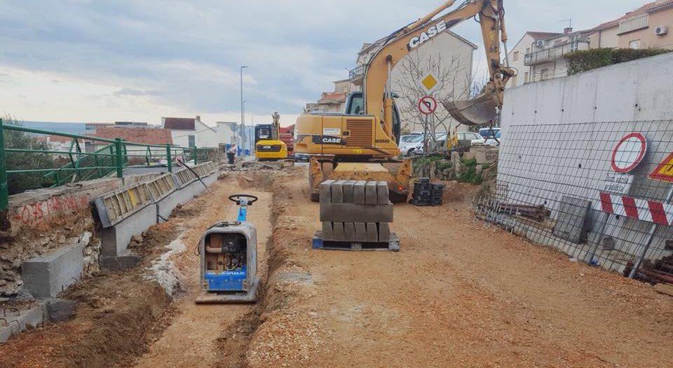 Radovi na rekonstrukciji raskrižja Hercegovačke i Zvonimirove ulice